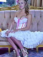 LacyNylons :: Denis showing her stockings