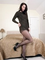 Brunette Tammy sharing her secret...see thru' nylon gusset pantyhose!