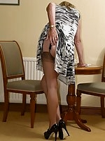 Stocking milf flashes in house