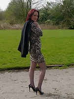 Sexy Jenna shows off her amazing legs